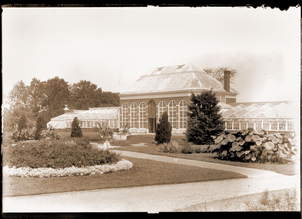 Image of View of the Main Conservatory (1868-1916).  Copy negative available -- see negative files.  PRINT AVAILABLE -- SEE PHO 1983-0188 and PHO 2006-0918.