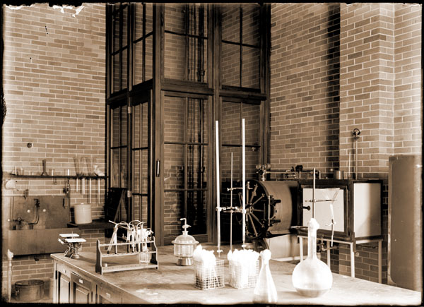 Image of Laboratory in northwest corner of the south end of the Administration Building.  Shows glass enclosure to prevent contamination.  PRINT AVAILABLE -- SEE PHO 1982-0169, PHO 2007-0908.