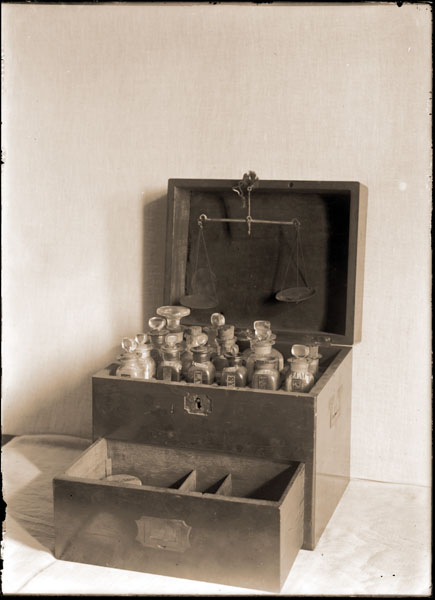 Image of Henry Shaw Memorabilia.  Medicine chest.