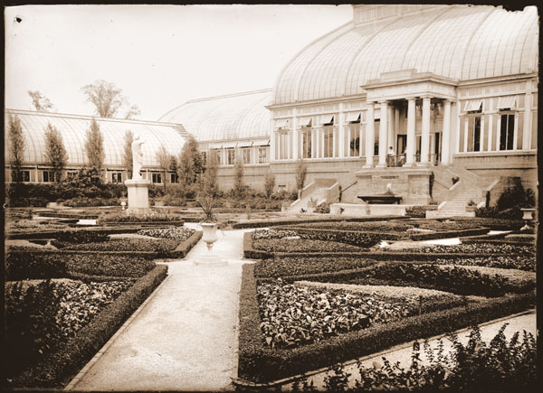 Image of Italian Garden and west side of Palm House.