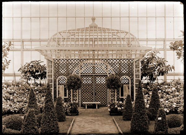 Image of Shakespearean Garden in Floral Display House with view towards north end.  John Noyes design.