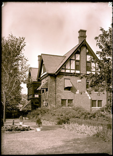 Image of View of the Director's Residence from the rear.   The residence is located in the south-east corner of the Garden grounds.