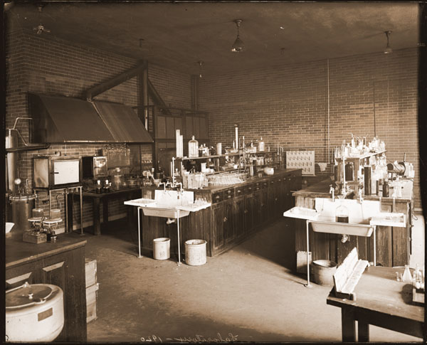 Image of Laboratory in Administration Building.  PRINT AVAILABLE -- SEE PHO 1982-0034 or PHO 2007-0911.
