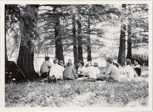 Image of Kenneth Peck and Pitzman Program enrollees.  Pinetum Lake - Arboretum 1971.