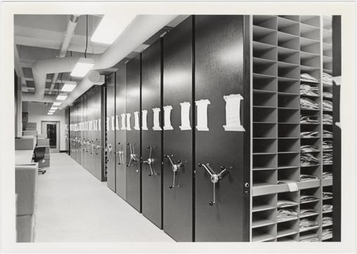 Image of Herbarium compactor.