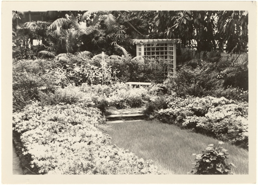 Image of Spring Flower Show, 1931.  Mounted with PHO 2007-0964.