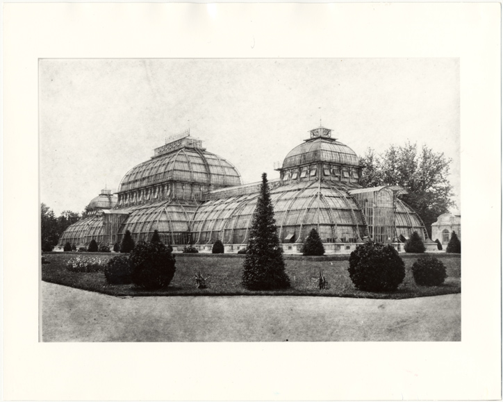 Image of Schoenbrunn Conservatory.  Same as PHO 2000-0058.