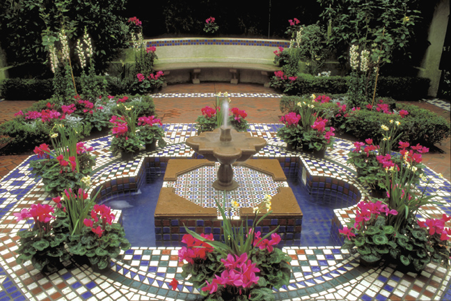 Image of Interior view of the Shoenberg Temperate House showing the Moorish Garden.