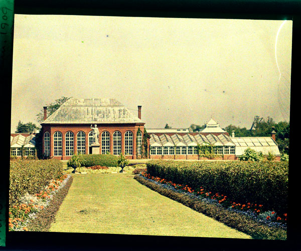 Image of Main Conservatory (1868-1916) and Juno.  Color magic lantern slide.