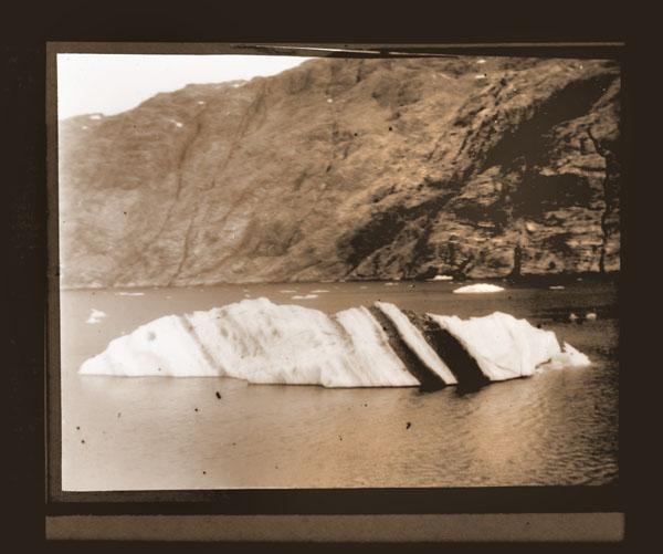 Image of Bergmith dirt strata.   Harriman Alaska Expedition, 1899.