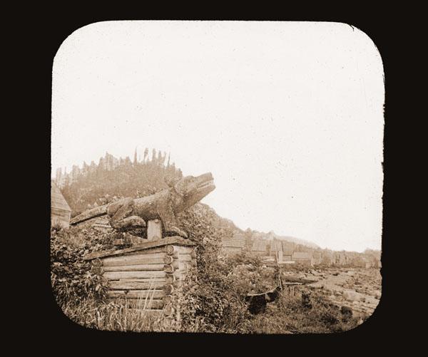 Image of 12  Indian Graves, Fort Wrangel.  Harriman Alaska Expedition, 1899.