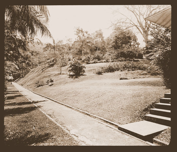 Image of Tropical Station  Balboa, C Z  Print available at PHO 2007-0344.